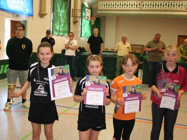 Die Sieger der Altersklasse 2008/2009 Mädchen (v.l.): Lilly Reining, Lara König, Jasmin Lehmann und Shirley Weise.